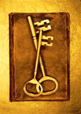Two Skeleton Keys Stock Photo - Premium Royalty-Free, Code: 600-00055194