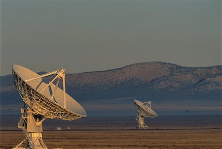 radio telescope - Radio Telescopes New Mexico, USA Stock Photo - Premium Royalty-Free, Code: 600-00056948