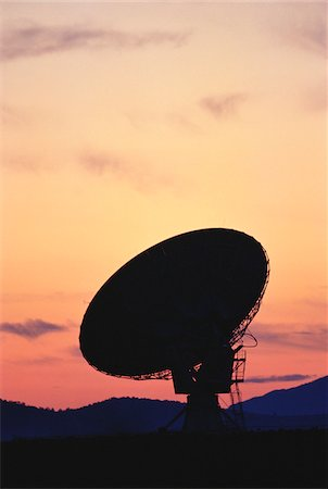 radio telescope - Silhouette of Radio Telescope at Sunset, New Mexico, USA Stock Photo - Premium Royalty-Free, Code: 600-00052881
