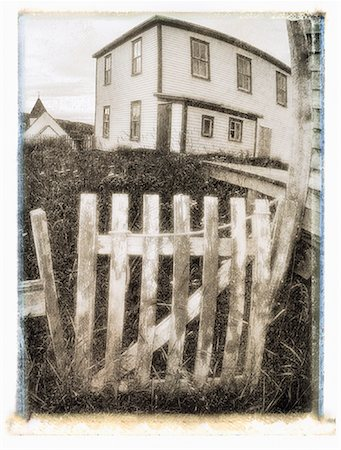 Wooden Fence and House, Battle Harbour, Newfoundland and Labrador, Canada Stock Photo - Premium Royalty-Free, Code: 600-00061373