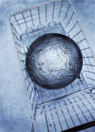 Globe in Shopping Cart Pacific Rim Stock Photo - Premium Royalty-Free, Code: 600-00083972