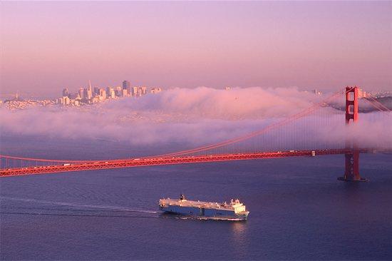 san francisco golden gate bridge fog. Golden Gate Bridge, San