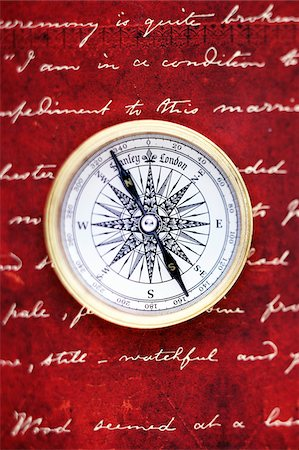 still life - Compass and Handwriting Stock Photo - Premium Royalty-Free, Code: 600-00551124