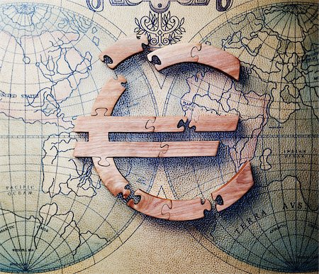 Jigsaw Puzzle Euro Sign Stock Photo - Premium Royalty-Free, Code: 600-00608268