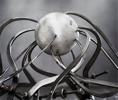 Callipers and Sphere Stock Photo - Premium Royalty-Free, Code: 600-00608273
