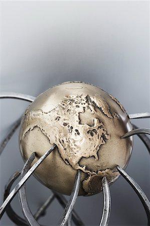 Metal Globe and Callipers Stock Photo - Premium Royalty-Free, Code: 600-00608300