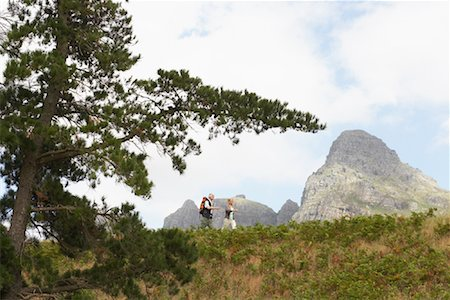 simsearch:600-00846421,k - Couple Hiking Stock Photo - Premium Royalty-Free, Code: 600-00911898