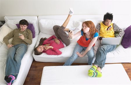 Friends Hanging Out Stock Photo - Premium Royalty-Free, Code: 600-01072269