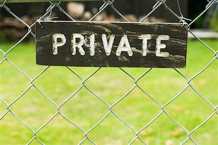 Private Sign on Fence Stock Photo - Premium Royalty-Free, Code: 600-01083961