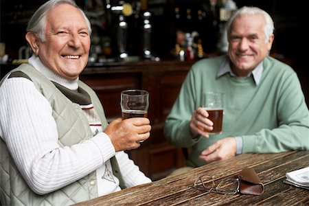 Friends in Pub Stock Photo - Premium Royalty-Free, Code: 600-01123745