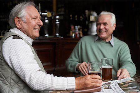 Friends in Pub Stock Photo - Premium Royalty-Free, Code: 600-01123741