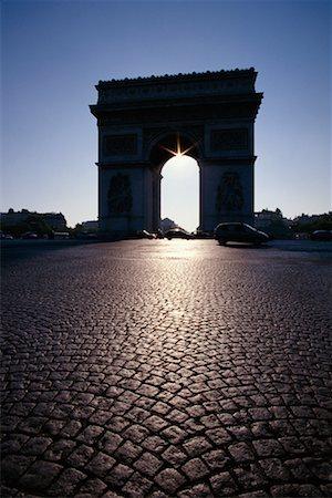simsearch:600-02428966,k - l'Arc de Triomphe, Paris, France Stock Photo - Premium Royalty-Free, Code: 600-01164871