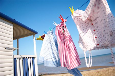 Clothesline at Beach House Stock Photo - Premium Royalty-Free, Code: 600-01173516