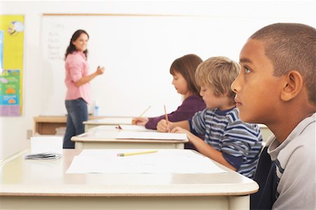 simsearch:600-01184690,k - Students and Teacher in Classroom Stock Photo - Premium Royalty-Free, Code: 600-01184693