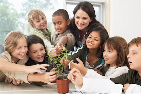 simsearch:600-01184690,k - Students and Teacher with Plant in Classroom Stock Photo - Premium Royalty-Free, Code: 600-01184732