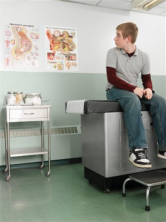 Patient Waiting in Doctor's Office Stock Photo - Premium Royalty-Free, Code: 600-01236181