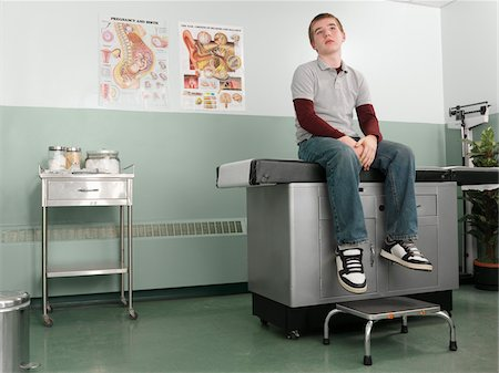 Patient Waiting in Doctor's Office Stock Photo - Premium Royalty-Free, Code: 600-01236182