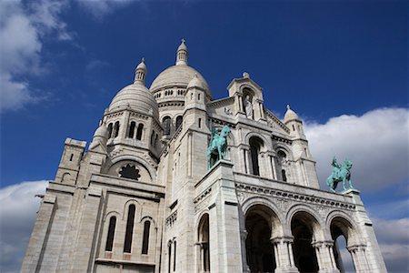 simsearch:600-02428966,k - La Basilique du Sacre Coeur, Paris, France Stock Photo - Premium Royalty-Free, Code: 600-01260231