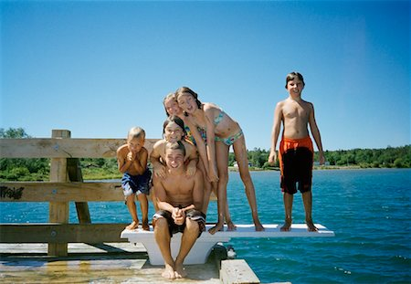 Children on Dock Stock Photo - Premium Royalty-Free, Code: 600-01276250