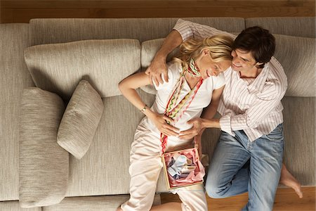pregnant couple couch - Expectant Couple at Home Stock Photo - Premium Royalty-Free, Code: 600-01296082