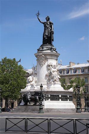 simsearch:600-02428966,k - Place de la Republique, Paris, France Stock Photo - Premium Royalty-Free, Code: 600-01540908