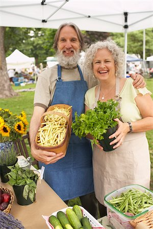 Couple at Farmers Market Stock Photo - Premium Royalty-Free, Code: 600-01586337