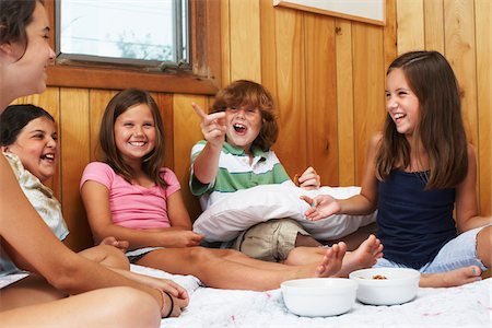 Kids Hanging Out Stock Photo - Premium Royalty-Free, Code: 600-01606775