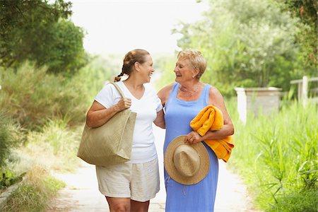 Women Walking On Path Stock Photo - Premium Royalty-Free, Code: 600-01606798