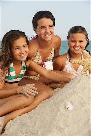 Portrait of Girls on Beach Stock Photo - Premium Royalty-Free, Code: 600-01614226