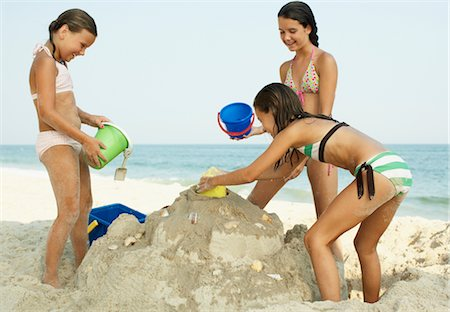 Girls on Beach Stock Photo - Premium Royalty-Free, Code: 600-01614223