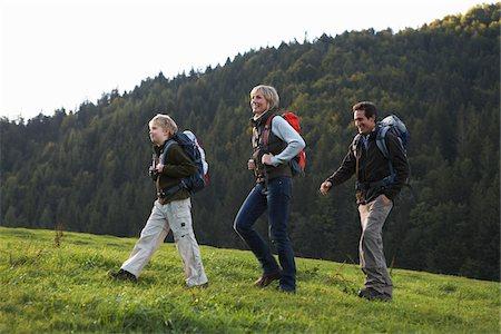 simsearch:600-00846421,k - Family Hiking Stock Photo - Premium Royalty-Free, Code: 600-01645046