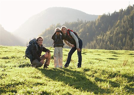 simsearch:600-00846421,k - Family Hiking Stock Photo - Premium Royalty-Free, Code: 600-01645048