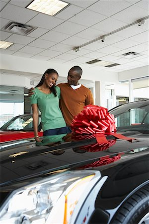Couple With New Car Stock Photo - Premium Royalty-Free, Code: 600-01645908