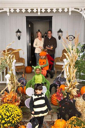 Children Trick or Treating at Halloween Stock Photo - Premium Royalty-Free, Code: 600-01717691