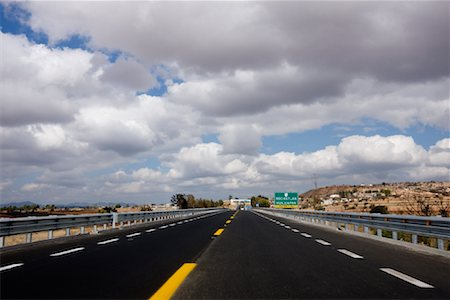 Toll Highway between Mexico City and Oaxaca, Mexico Stock Photo - Premium Royalty-Free, Code: 600-02045970