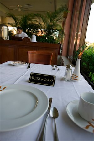 Reserved Sign on Table in Restaurant, Mexico Stock Photo - Premium Royalty-Free, Code: 600-02121227