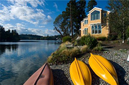 Canoes on Shore, Bainbridge Island, Puget Sound, Washington, USA Stock Photo - Premium Royalty-Free, Code: 600-02265104