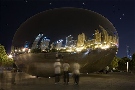 Cloud Gate Sculpture at Night, Chicago, Illinois, USA Stock Photo - Premium Royalty-Free, Code: 600-02260133