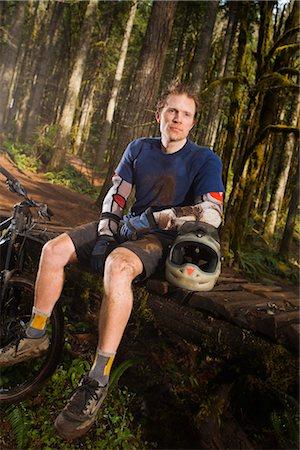 Portrait of Mountain Biker, Blackrock Mountain Bike Park, Near Salem, Oregon, USA Stock Photo - Premium Royalty-Free, Code: 600-02586040