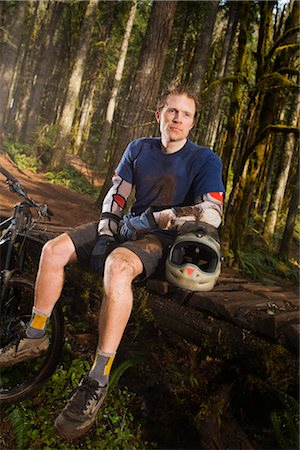 Portrait of Mountain Biker, Blackrock Mountain Bike Park, Near Salem, Oregon, USA Stock Photo - Premium Royalty-Free, Code: 600-02586040