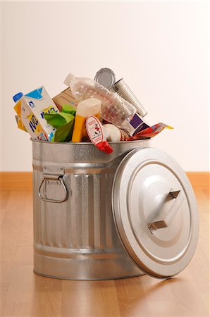 Full Garbage Can Stock Photo - Premium Royalty-Free, Code: 600-02594035