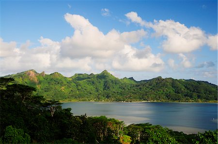 french polynesia - Overview of Bay, Huahine, French Polynesia Stock Photo - Premium Royalty-Free, Code: 600-02590600