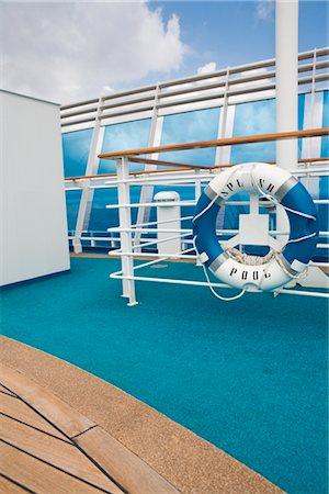 Life Preserver, Cruise Ship Stock Photo - Premium Royalty-Free, Code: 600-02633827