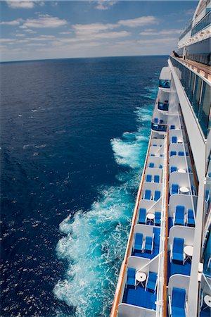 Cruise Ship Stock Photo - Premium Royalty-Free, Code: 600-02633833
