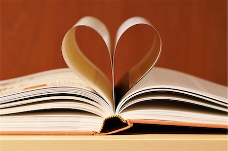 page - Book With Pages Shaped Like Heart Stock Photo - Premium Royalty-Free, Code: 600-02659562
