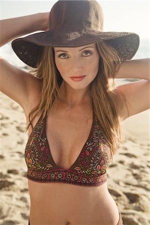 sandi model - Portrait of Woman on the Beach in Malibu, California, USA Stock Photo - Premium Royalty-Free, Code: 600-02659857