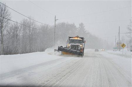 plow - Snowplow on Highway, Ontario, Canada Stock Photo - Premium Royalty-Free, Code: 600-02670636