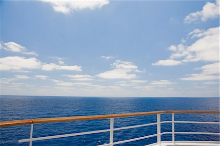 View of Ocean from Railing of Cruise Ship Stock Photo - Premium Royalty-Free, Code: 600-02671106