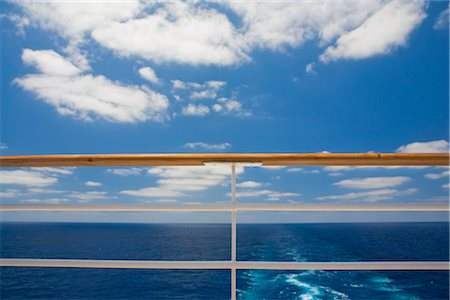 View of Ocean and Railing on Cruise Ship Stock Photo - Premium Royalty-Free, Code: 600-02671110