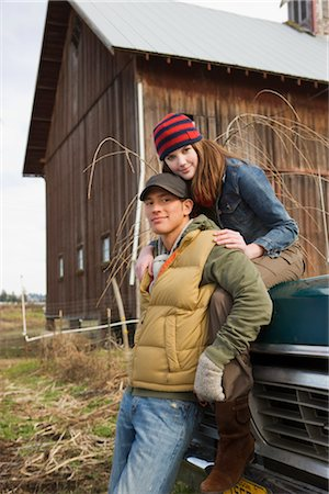 Portrait of Young Couple on a Farm in Hillsboro, Oregon, USA Stock Photo - Premium Royalty-Free, Code: 600-02700680